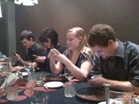 Teléfono Móvil Vs Comer