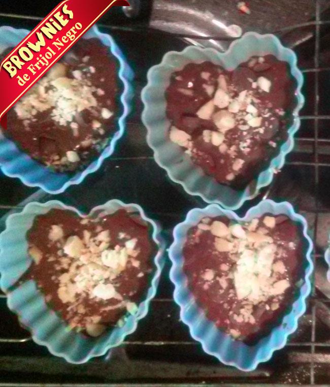 Brownies-frijol-negro-10 Brownies De Frijol Negro | Receta De Brownies Sin Harina