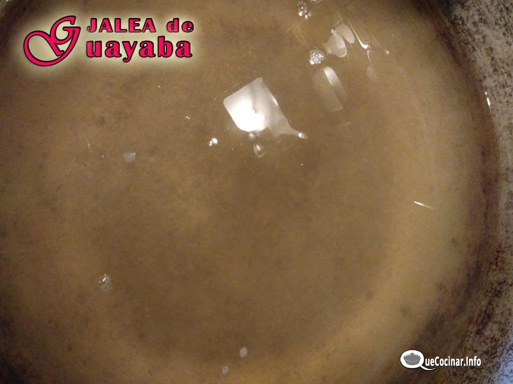 Jalea-de-guayaba-liquido Jalea de Guayaba Receta | Espejuelo de Guayaba Colombia